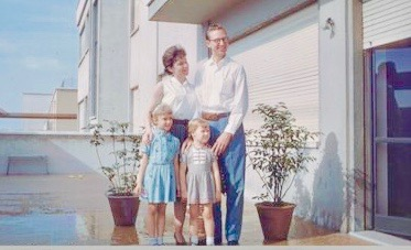 1961-07-03 Bologna, Amerson family on terrace001-wc 2